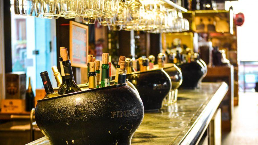 O que você precisa saber antes de abrir um bar